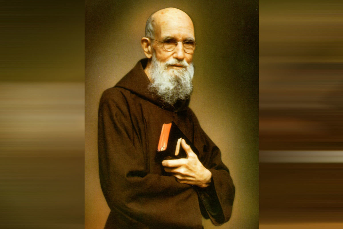 the impact father solanus casey had on the lives of many people The name of father solanus casey was chosen because the capuchin priest, now beatified, was the epitome of what the organization embraced and he had been assigned to huntington from 1946-56 one man has dedicated so many hours to the organization that they have rolled into years.